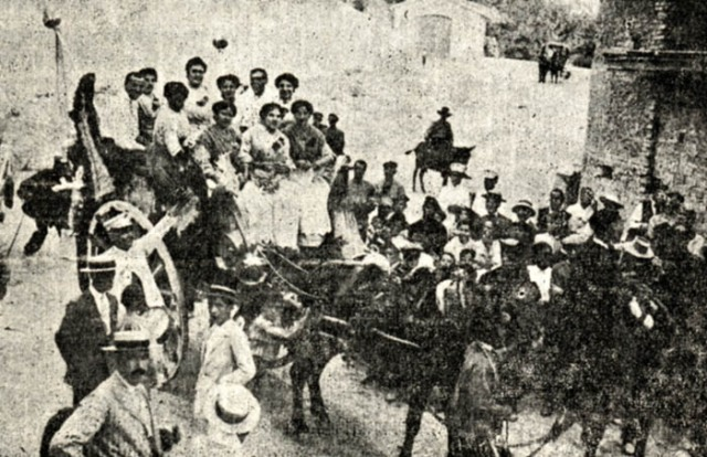Salida de la primitiva cabalgata de Ferias